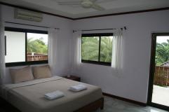 Masterbedroom på andra våningen